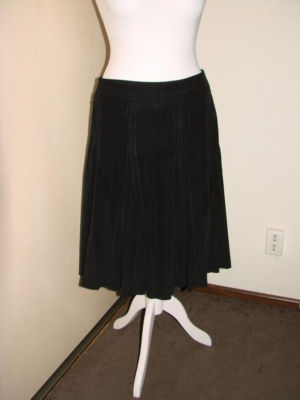 spódnica czarna sztruksowa