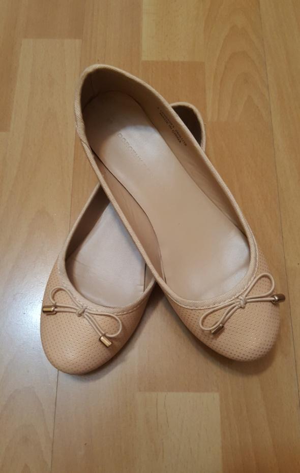 Brzoskwiniowe balerinki Dorothy Perkins 36
