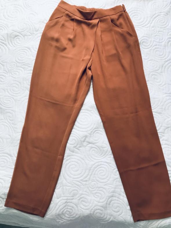 Spodnie Szerokie spodnie Reserved 40