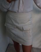 Spódniczka mini kolor beżowy...