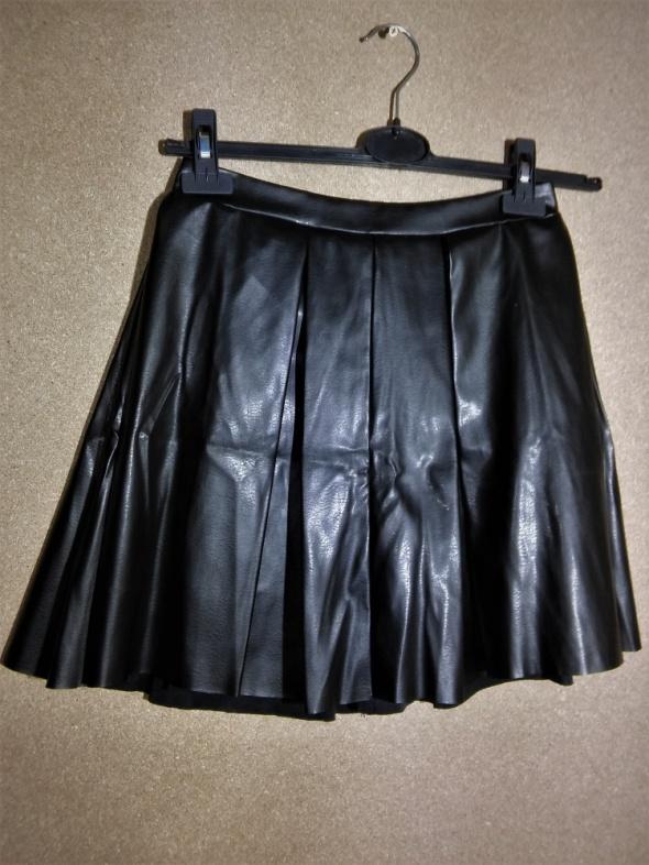 Spódnice Czarna rozkloszowana spódnica ekoskóra szyta z koła 36