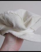 Czapka beret dla niemowlaka...