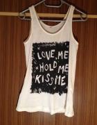 Top bokserka tunika biała czarny nadruk Love Kiss...