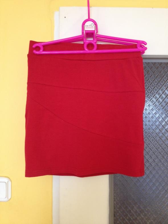 Spódnice House XS 34 S M 36 38 obcisła czerwona bandażowa jak nowa