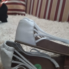 Przebojowe bardzo stylowe sandały