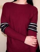 Bordowy sweter M L ozdobniki na rękawach...