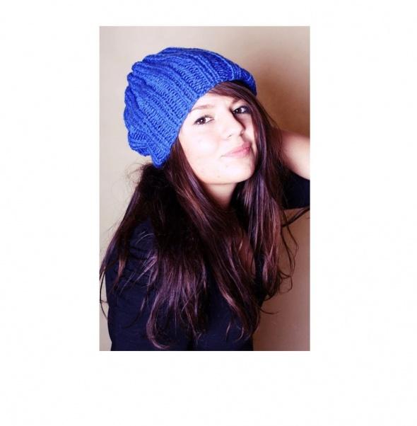 Niebieska czapka handmade