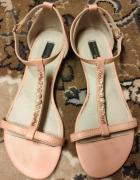 Sandałki na lato 36 Reserved z koralikami różowe z paseczkami...