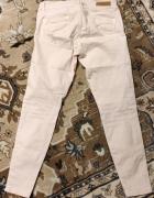 Pudrowo różowe spodnie z otarciami dziurami Zara rozm 36 S Slim