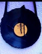Niepowtarzalne torebki wykonane z płyty winylowej