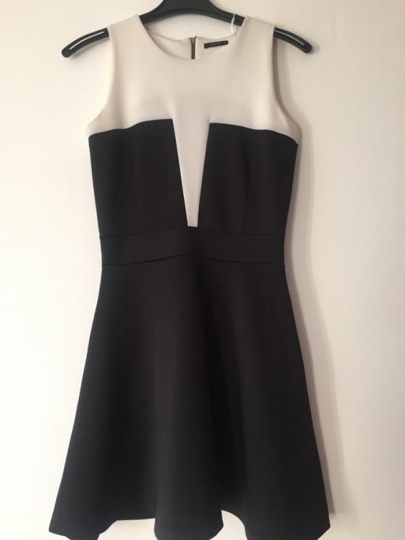 Mohito sukienka biało czarna S 36 ale pasuje również na M...