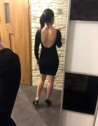 Sukienka czarna z brokatem sweterkowa H&M Zara S dekolt...