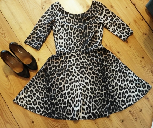 Suknie i sukienki Sukienka rozkloszowana panterka XS 34