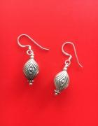 Zdobione srebrne kolczyki indyjskie...