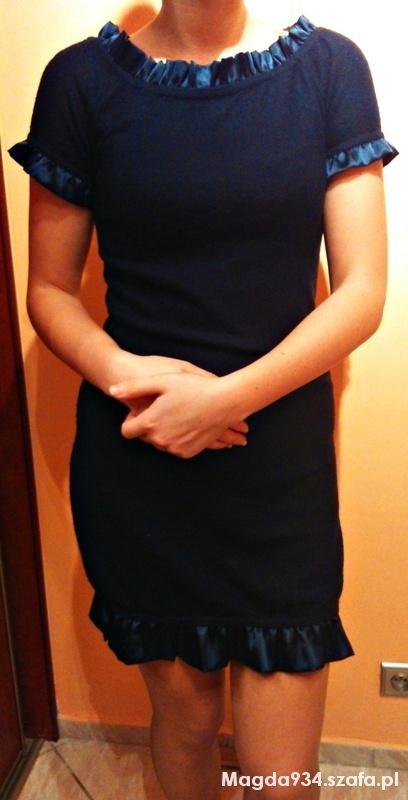 sukienka granatowa falbana