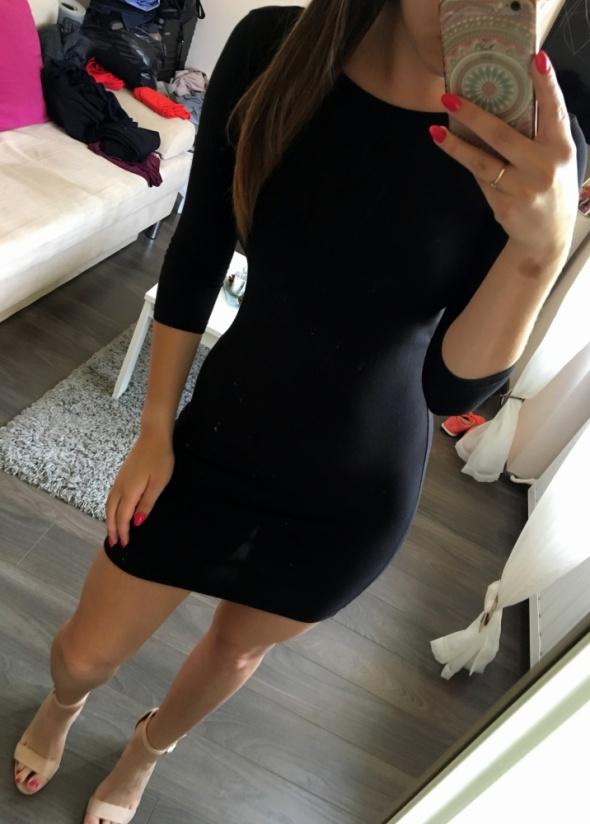 Czarna sukienka Tally Weijl...