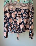 Nowa bluzka z kwiaty