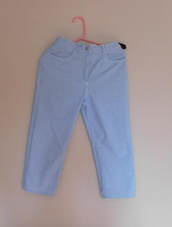 Spodenki Hanna spodnie rybaczki w kratkę białe niebieskie 3