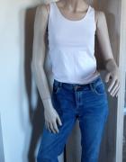 Jeansy z przetarciami...