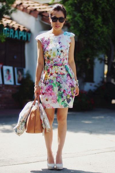 Sukienka w kwiaty River Island Tulipan 38