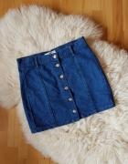 Dżinsowa spódnica Pull Bear Na guziki...