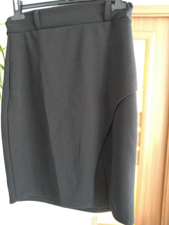 Spódnice czarna spódnica zakładana