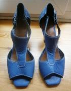 niebieskie sandałki na obcasie Reserved...