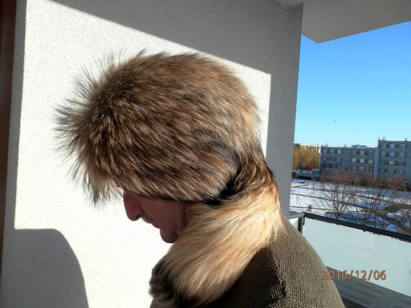 Czapka z Naturalnego Futra Jenota Pełna Zimowa 59