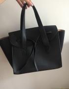 Czarna torebka Mango