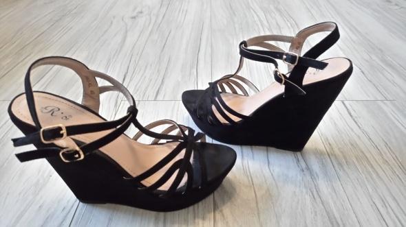 Czarne sandały na koturnie platformie sandałki zamsz...