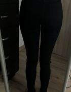 Czarne spodnie rurki z wysokim stanem tregginsy dopasowane skin...