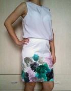Biała spódnica tuba tulipan w kwiaty kwiatki H&M