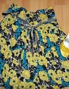 kolorowa spódnica w kwiaty...