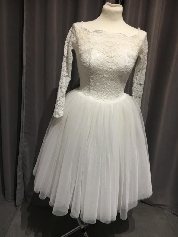Sukienka kremowa tiulowa r36...
