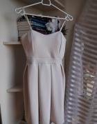 Pudrowa sukienka SM