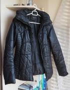 Czarna przejściowa kurtka S...