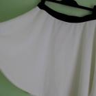 Reserved Biała klasyczna rozkloszowana spódniczka
