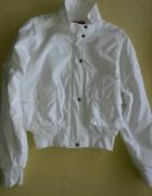 Biała kurtka rozmiar M...