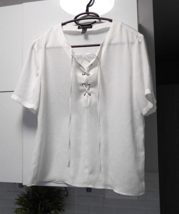 Mango elegancka bluzka biała wiązana sznurowana...