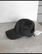 Bershka nowa czapka z daszkiem satynowa czarna...