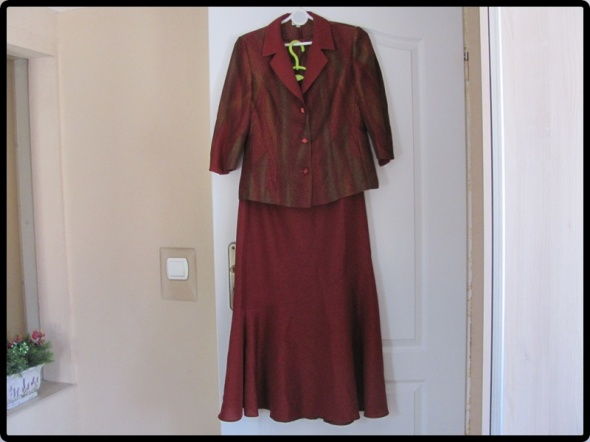 komplet spódnica marynarka i bluzka rozmiar L...