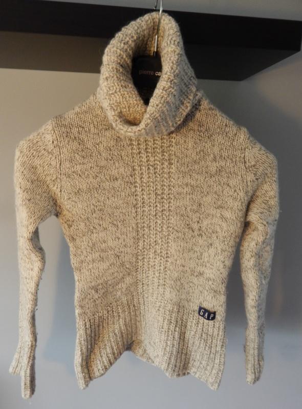 Gruby sweter idealny na zimę