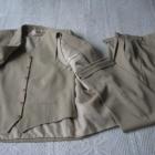 Jasny garnitur trzyczęściowy