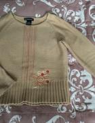 Sweterek z aplikacją