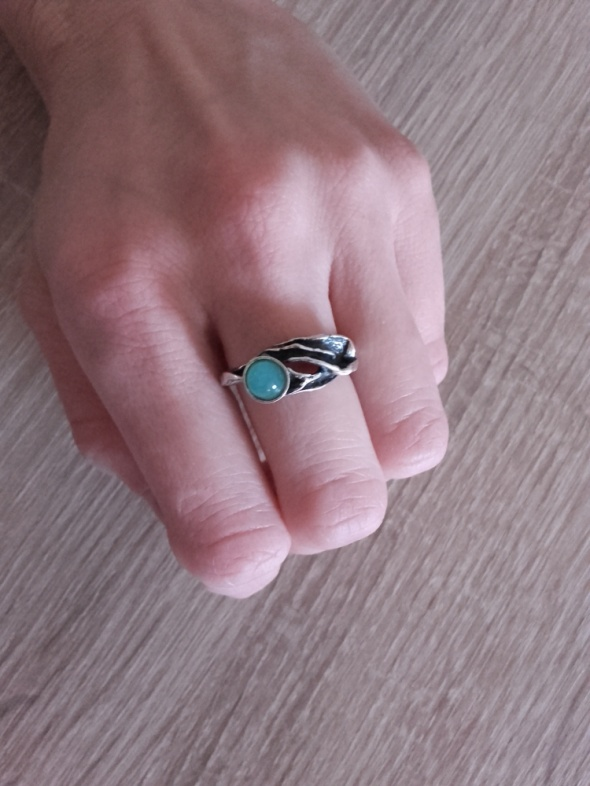 Autorski srebrny pierścionek z kamieniem galeria