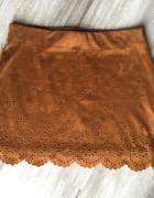 miękka zamszowa spódniczka mini Zara...