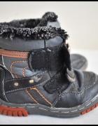 Ciepłe buty zimowe dla chłopca rozmiar 23 wkładka 15 cm...