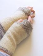 wełniane mitenki kremowe mitenki ocieplacze na dłonie...