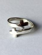 Oryginlany pierścionek srebrny