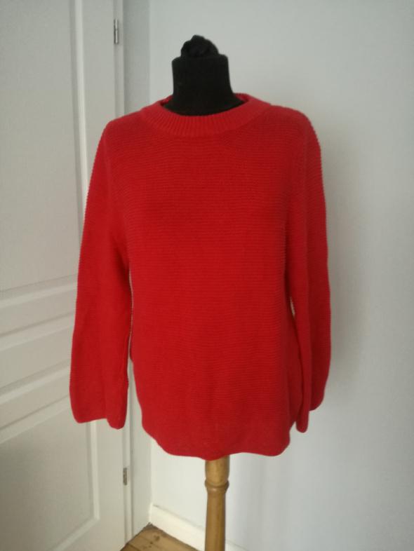 Czerwony gruby mięsisty swetr rozmiar S M stan idealny...